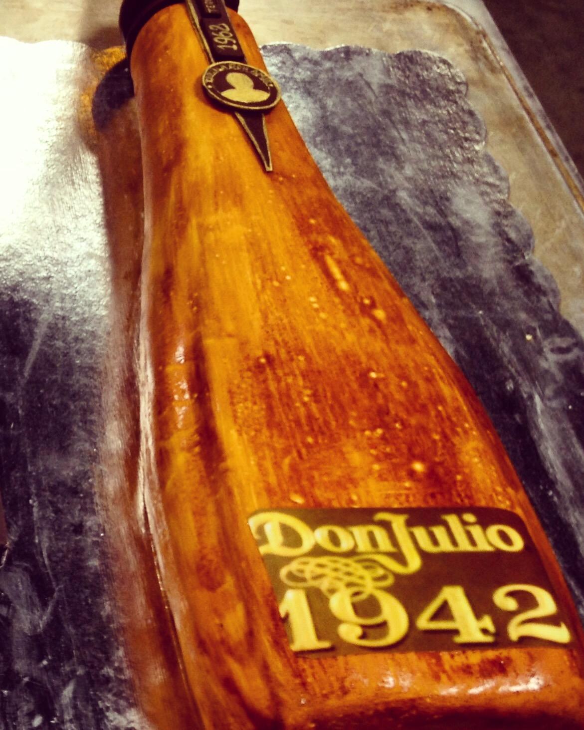 Cake_1942_Bottle