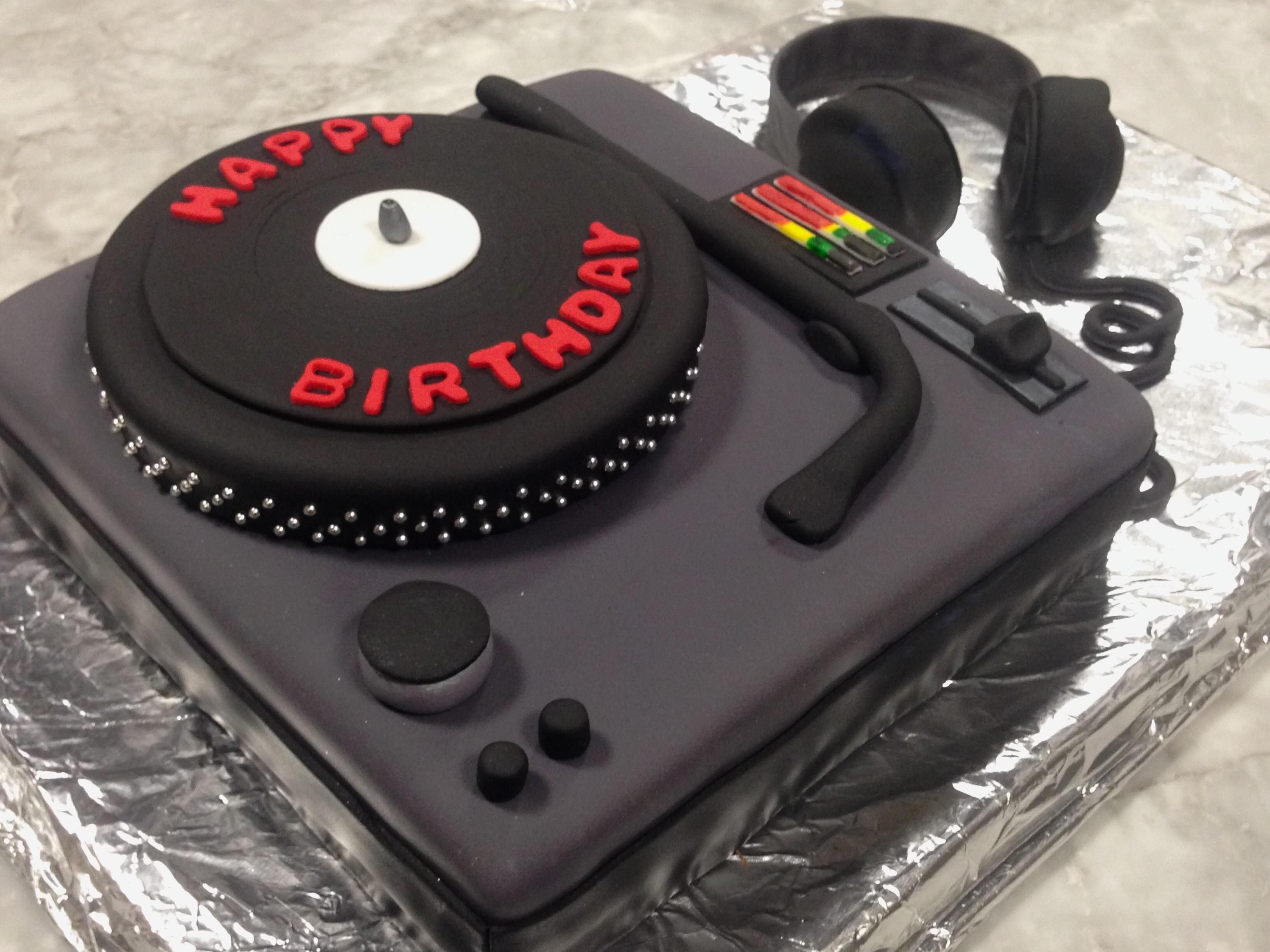 Cake_DJ_1